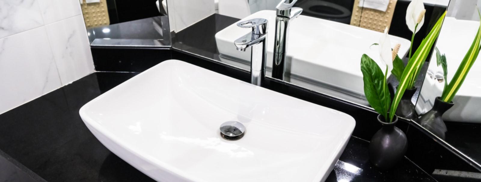 De la rénovation salle de bain au débouchage de toilette